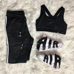 ✨BLACK CAMO SWEATS in style & trendy! NWTBoutique